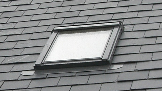 Summit roofing solutions cornwall roofers velux windows for Velux glass